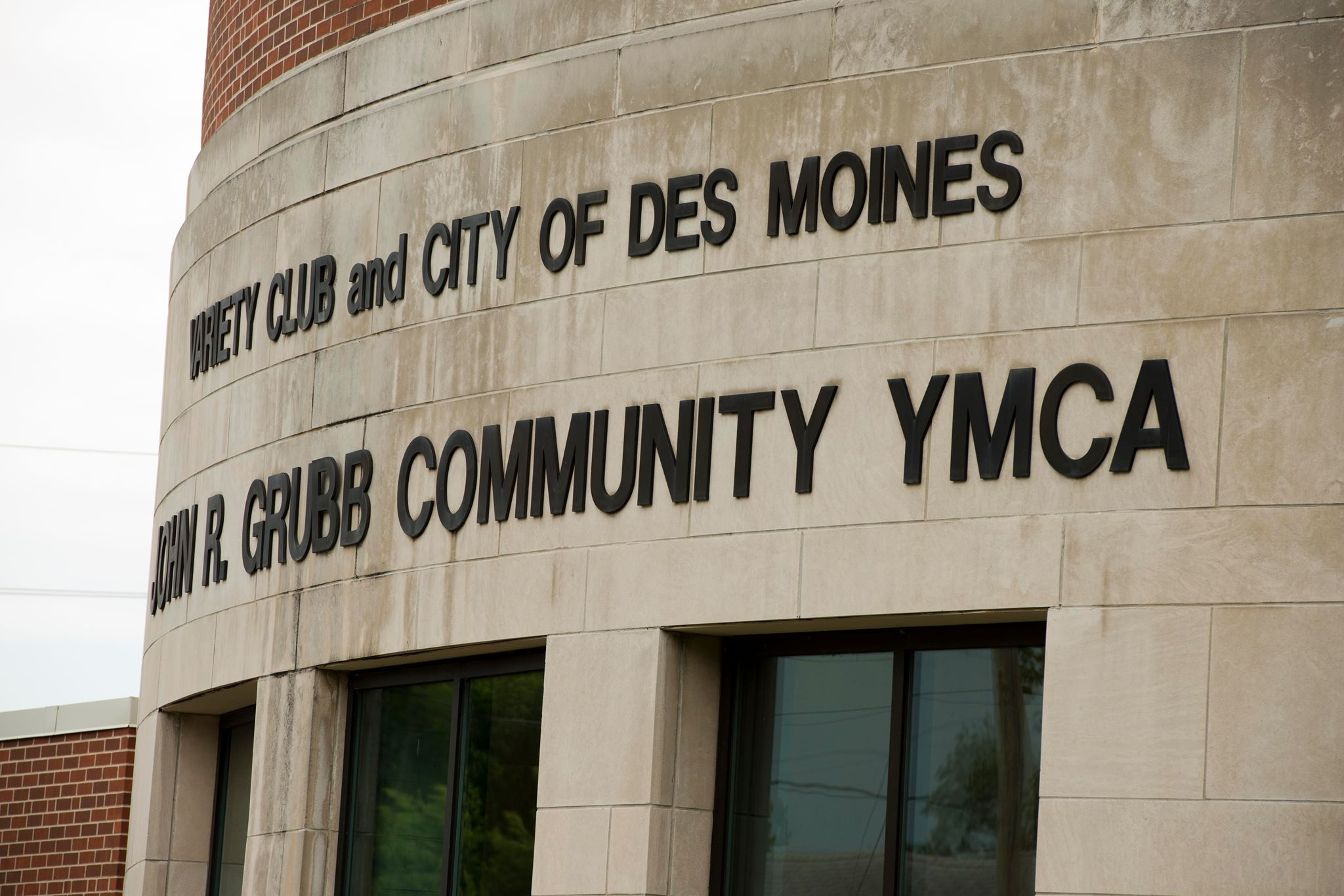 How the YMCA of Greater Des Moines, Iowa is Helping Fathers & Families (Video)